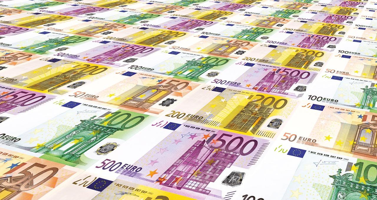 € 306,3 miljoen aan AVG-boetes